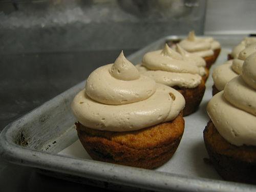 hazelnut pumpkin chocolate chip cupcakes w/ hazelnut butter cream