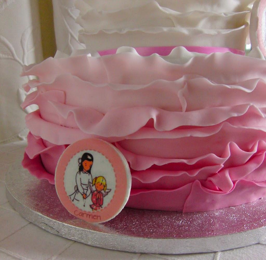 Detalle de la tarta de comunión Ruffle Cake