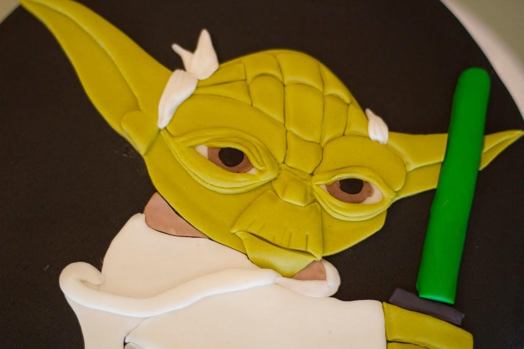 Tarta de fondant de Yoda, detalle de la cara