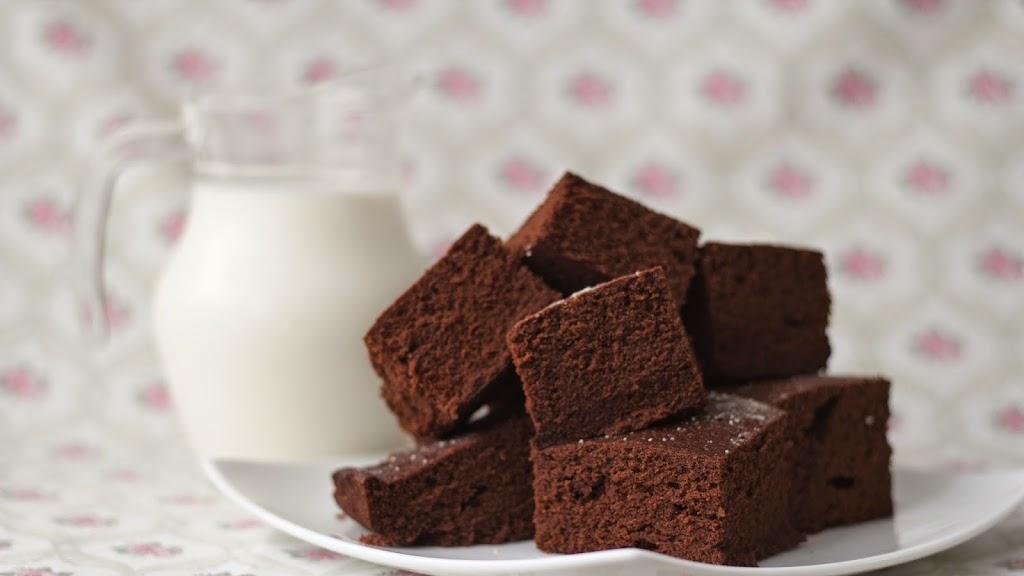 Bizcocho de chocolate cocinado en el microondas az car - Bizcocho con microondas ...