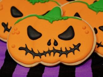 Galletas de Calabaza de Halloween. Decoración con volumen usando glasa.