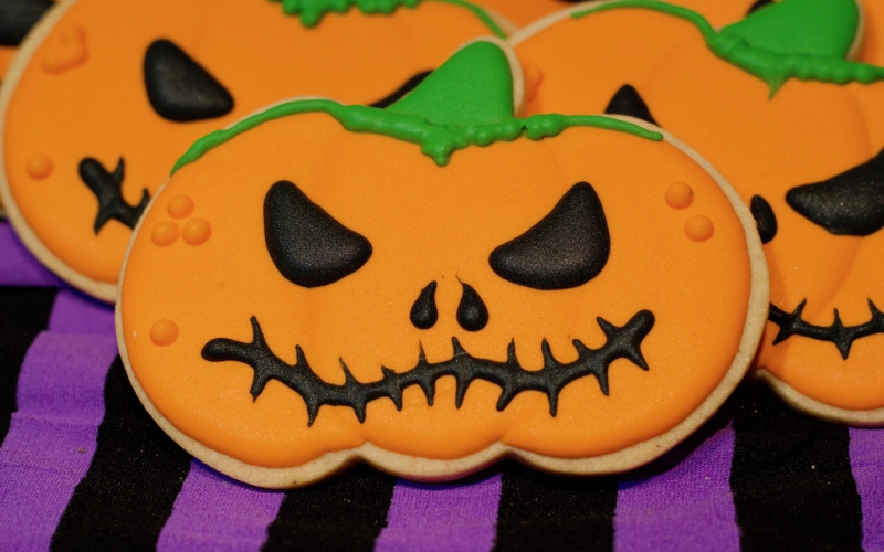 Galletas de Calabaza de Halloween. Decoración con volumen usando glasa.